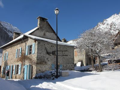 Photo for Charming cottage in old stone in the mountains in the Ecrins