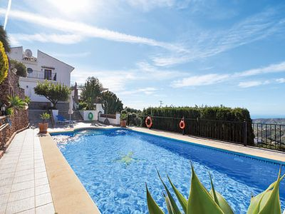 Photo for Stunning hillside villa with 6 bedrooms, great for large families