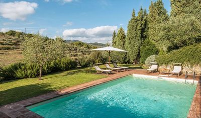Photo for Private Villa with private pool, WIFI, TV, panoramic view, parking, close to Greve In Chianti