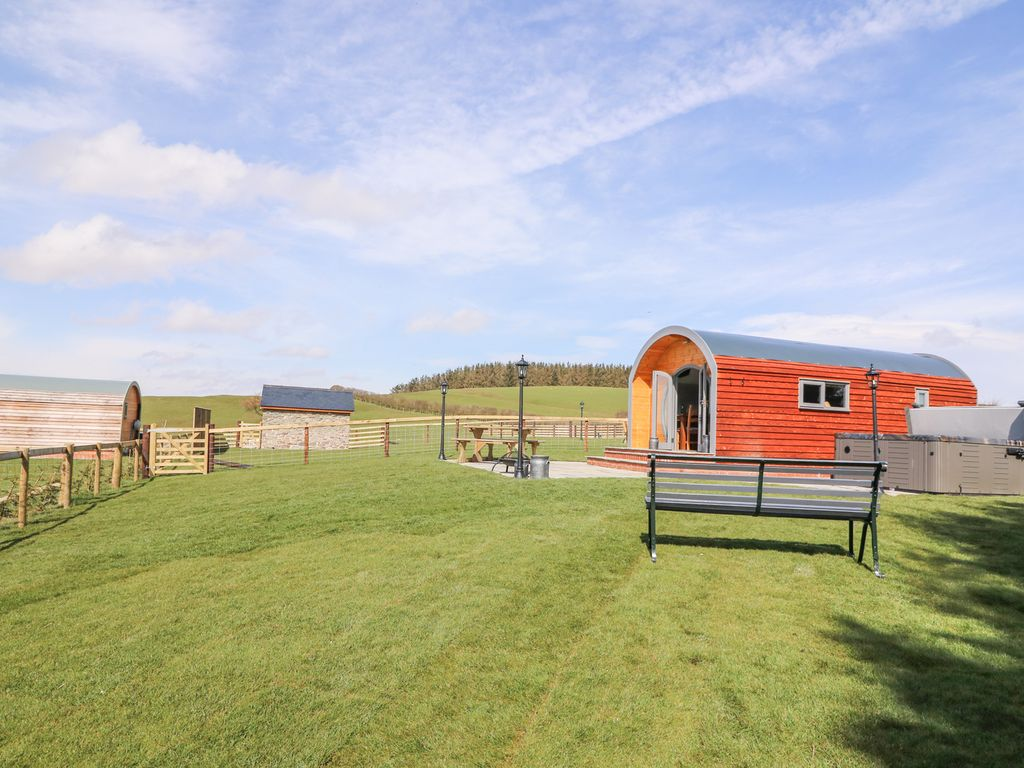 old rent holiday station to caravans sheraton new cottages static mid wales in radnor