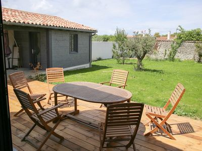Photo for House for 9 persons with enclosed garden, jacuzzi and parking