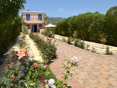 Photo for Relax and Comfort Family Villa, 4 bedrooms near the sea