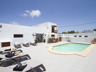 Photo for Deluxe Apartment in Authentic Canarian House, Solar Heated Pool, 10 mins Beach