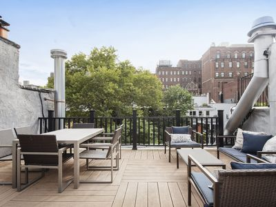 Photo for Tons of Light and Private Roof Deck, Modern and Clean