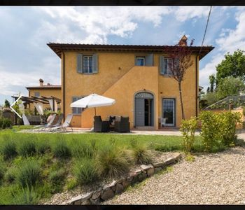 Photo for Villa surrounded by an estate with a wonderful view of Fiesole