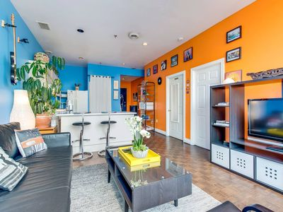 Photo for The Artist Loft - Trendy 1BR Condo with Parking!
