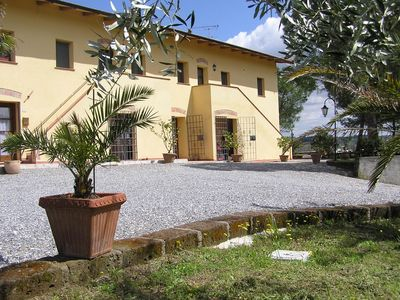 Photo for Quiet and nice holiday complex in Tuscany, G0