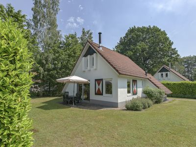 Photo for 4-person bungalow in the holiday park Landal Landgoed Aerwinkel - rural location