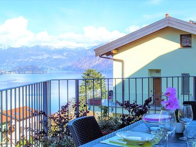 Photo for B3 / New residence with pool and amazing view on the lake