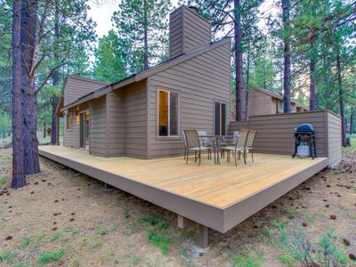 Photo for Renovated cabin w/ private hot tub, entertainment & SHARC access!