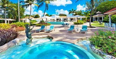 Stanford House, 5-bdrm villa in St. James, fully staffed, infinity edge pool