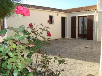 Photo for Villa Saint-Pierre-d'Oléron, 2 bedrooms, 6 persons