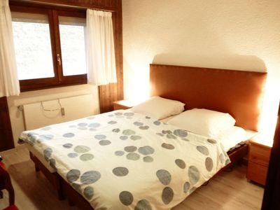 Photo for Apartment Jorasse A 6 in Ovronnaz - 6 persons, 3 bedrooms
