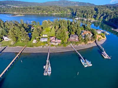 DEEPWATER DOCK! Three Bedroom Home On Beautiful Mitchell Bay! (HV)