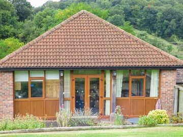 Search 261 holiday lettings