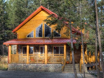 Photo for Iron Ring Log Chalet, Stay 3 nights, pay 2**, Radium Hot Spring Pool Passes Incl