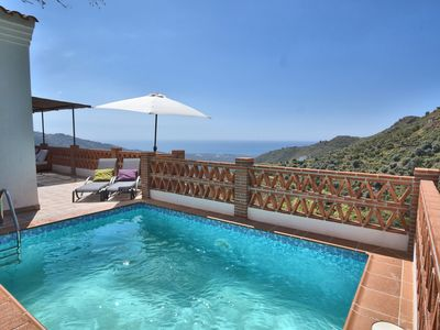 Photo for Cozy holiday home with beautiful terrace, panoramic views, WiFi and private pool