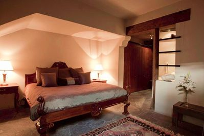 1st floor guest suite with king bed, 3-inch memory foam topper, luxurious 600 TC sheets & private bath.