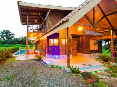 Just a Dream House- great for families or friends-WIFI, A / C