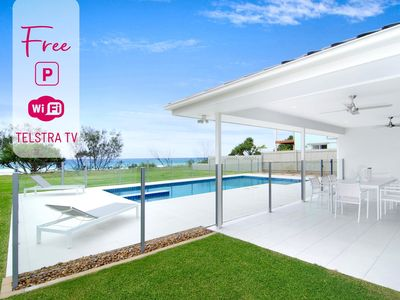 🌊🌴 Designer 5 Bedroom Beachfront in Tugun! 🌴🌊