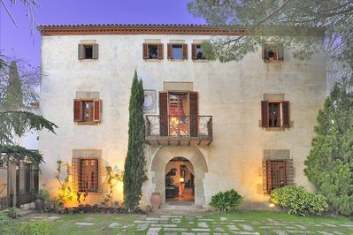 Masia Beranó is an amazing 1000m2 big holiday home