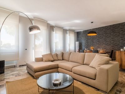 Photo for Entire apartment: 4 bedrooms, max 8 guests, free wifi with optical fiber, city center