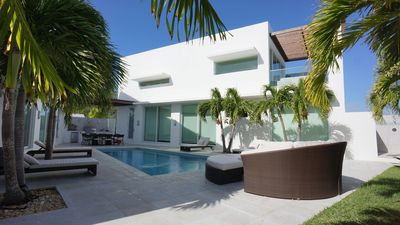 Photo for Stylish Ocean Pool Villa with private courtyard and pool in Great Exuma, Bahamas