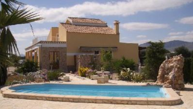 Photo for Luxury 6 pers. holiday villa on the Costa Blanca (Crevillente) with private pool