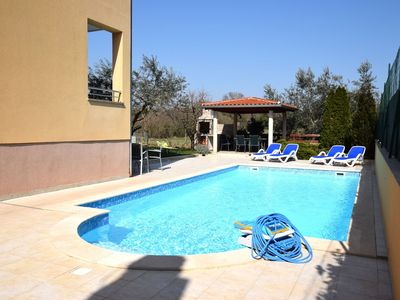 Photo for Spacious Apartment in Pula with Swimming Pool