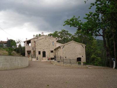 Photo for Cosy apartment in villa for 4 guests with pool, WIFI, TV and parking