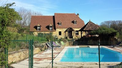 Photo for Beautiful villa with private pool in the Lot near Sarlat / Dordogne