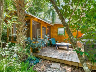 Photo for Romantic Cabin in Quiet Wooded Lot-Walk to peaceful Beach & Tennis park, Screened Porch, Deck, Grill
