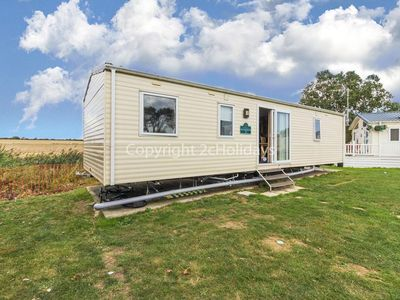 Photo for 6 berth caravan for hire in Seawick holiday park in Essex ref 27007SA