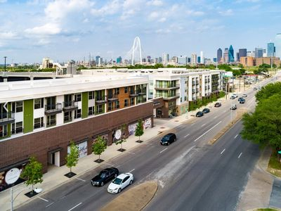 Photo for Sophisticated One Bedroom Metropolitan Loft in Heart of Dallas