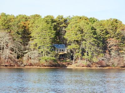 Pond Front- Walk to beach-Pet Friendly- A/C units- Waterfront- WiFi-Welcome to Heaven's Hideaway!