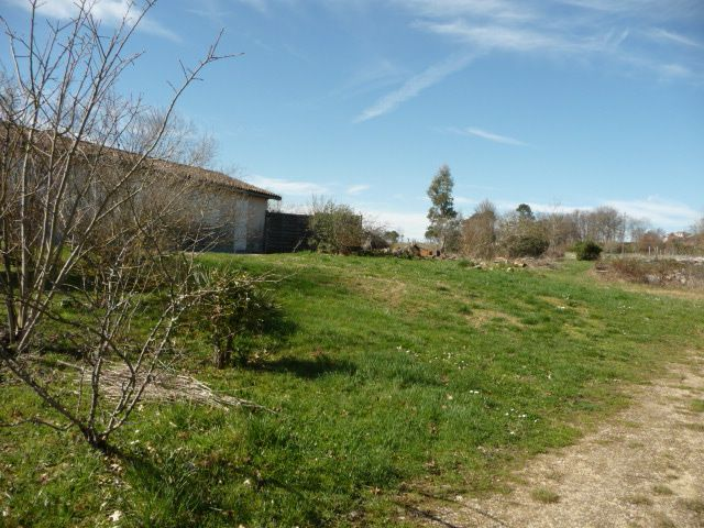 Housing 50 M2 Bergerac Possible Room In The House Lake