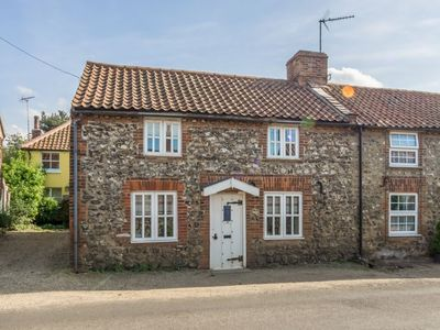 Photo for Cobble Cottage is a traditional fisherman's cottage situated in Brancaster. Mon & Fri Arrivals.