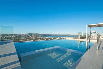 4-bedroom Villa Infinity View with private infinity swimming pool - Chania