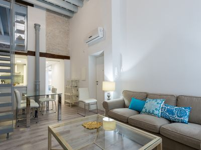 Photo for Apartment in the center of Seville with Internet, Air conditioning, Washing machine (670886)
