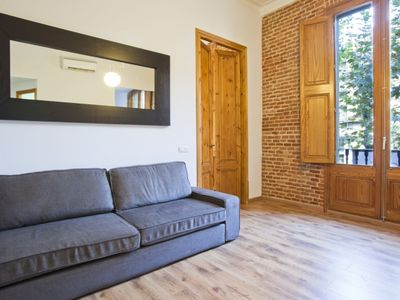 Photo for Apartment with balconies surrounded by emblematic sites, near the Gothic Quarter