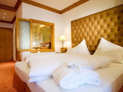 "Photo for Double room ""Sunflower"" with bath and shower - Sporthotel Ellmau"