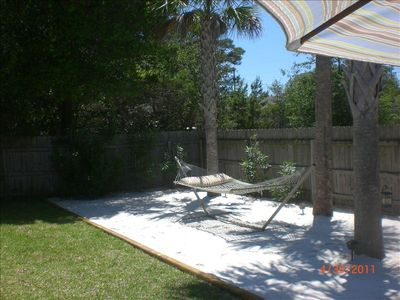 Backyard Beachscape with White Sand, Palms and Hammock!