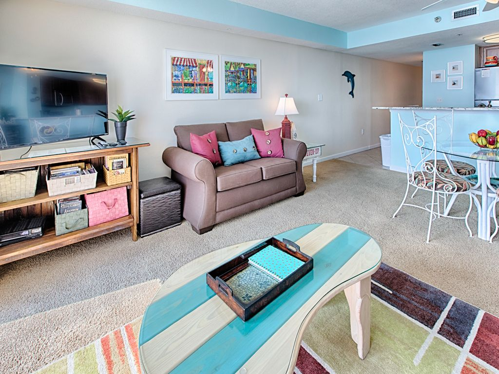 stay with sundestin beach resort this winte vrbo. Black Bedroom Furniture Sets. Home Design Ideas