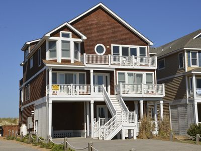 Photo for Family sized, Oceanfront, elevator and pool! - 118