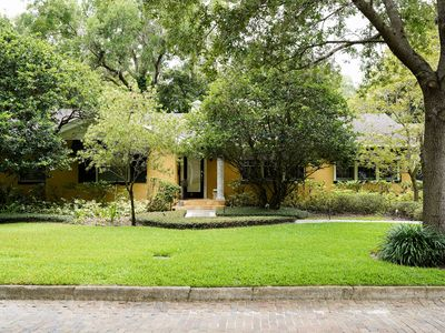 Photo for Beautiful Retreat in the Heart of Winter Park - Office, Patio, Hammock & More!
