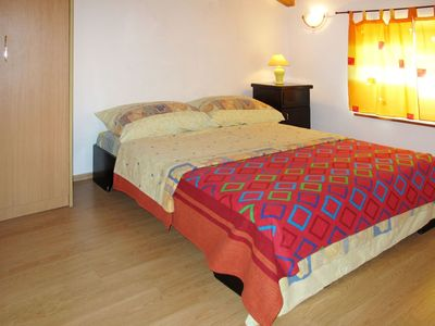 Photo for Lovely apartment for 8 people with private pool, WIFI, A/C, TV, balcony, pets allowed and parking