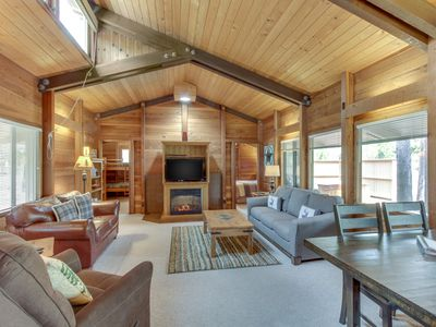 Photo for Cozy cabin w/ private hot tub, entertainment & SHARC passes - dogs ok!