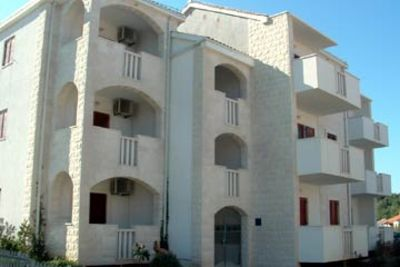 Photo for Apartments Zdenka, (7965), Supetar, island of Brac, Croatia