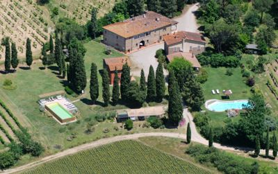 charming apartment with pool just 4 km from the center of Arezzo and 6 km from t