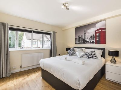 Photo for 2 bedroomed flat near Watford Junction, Harry Porter